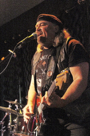 Paul Kype playing with Zojo Black at the Kerala flood fundraiser, Nov. 23 at the Slice. Photo by Richard Amery