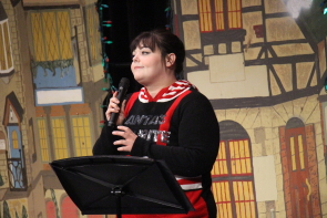 Stephanie savage singing  at Shakespeare meets Dickens, Dec. 14 at Casa. photo by Richard Amery